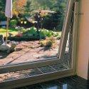Kratka ochronna na uchylone okno